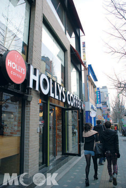 HOLLYS COFFEE (清溪川)